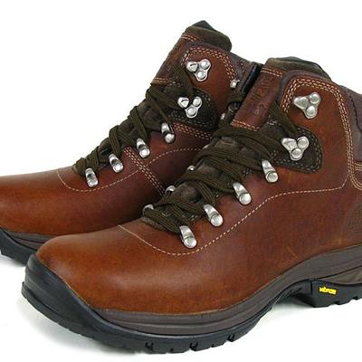 Simplemente desbordando Descripción Residencia  Review of Timberland Washington Summit Leather Waterproof Hiking Boot :  'Could not stand up to the rigours of hiking in the Himalayas.'