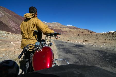 Biking Ladakh : some practical tips to motor-biking in Ladakh