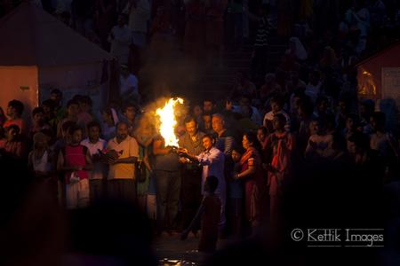 Photo Essay : Ganga Aarti ceremony at the Har-ki-Pauri ghats near Haridwar