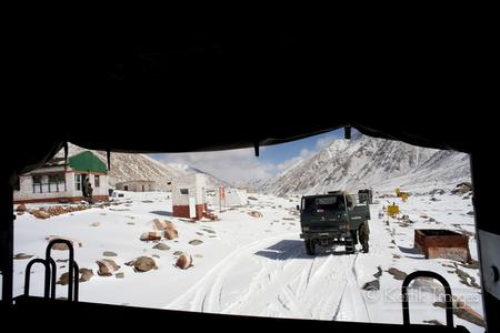 Rescued again... How the Indian army helped me cross a snowed out Chang La pass for the 2nd time.